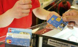 Pagava con carta di credito rubata: denunciato uno spagnolo