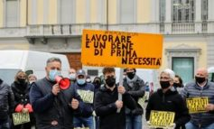 Covid: ad Asti ambulanti in piazza per protesta