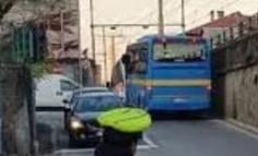 Autobus del Cit perde una ruota in viaggio: nessun ferito