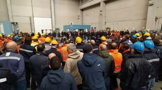Ex Ilva: ancora nulla di fatto nella trattativa Arcelor Mittal – Governo mentre a Cornigliano è in corso l'assemblea davanti ai cancelli indetta dalla Rsu