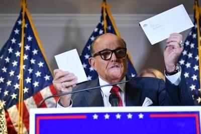 """Elezioni Usa, Giuliani attacca: """"Piano per brogli in città a guida dem"""""""