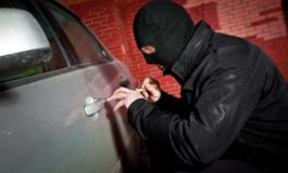 """Arrestato Rom che """"alleggeriva"""" le auto parcheggiate"""