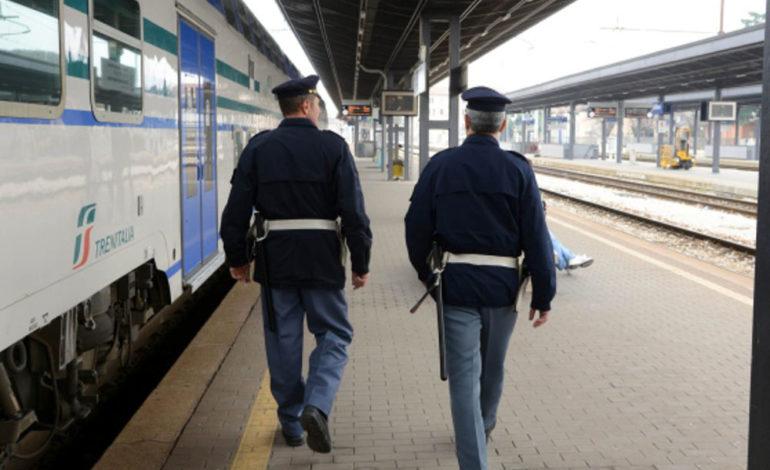 Un senegalese di 50 anni doveva essere in prigione e invece è stato sorpreso in treno