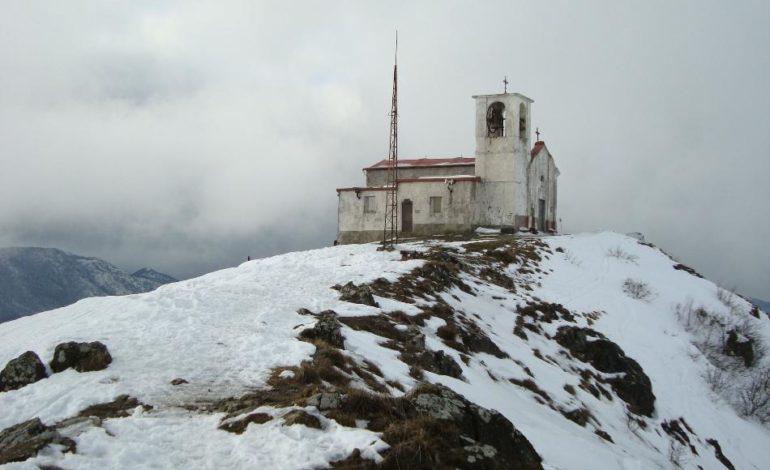 Escursionista stroncato da infarto mentre percorre il sentiero che porta al Monte Tobbio