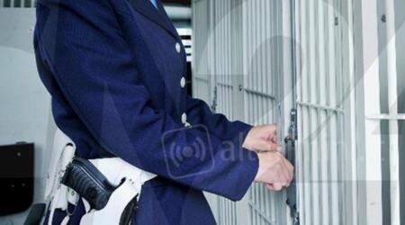 Sequestrati telefoni e droga in carcere