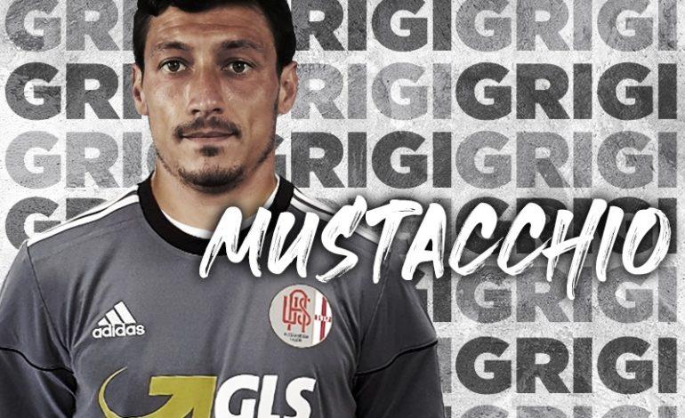 Grigi: ufficiale l'ingaggio del centrocampista ex Crotone Mattia Mustacchio