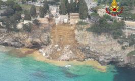Frana nel cimitero di Camogli: 200 bare in mare