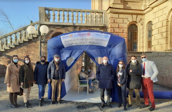 """Da Rsa Castello di Stazzano: grazie alla """"Stanza degli abbracci"""" ospiti e familiari potranno finalmente riabbracciarsi in sicurezza"""