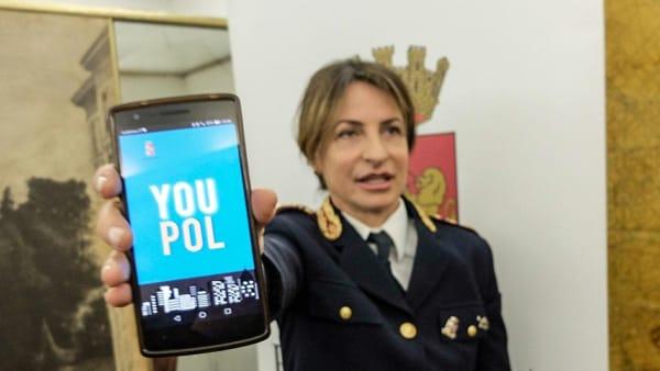 """Applicazione YouPol, la nuova """"app"""" della Polizia di Stato per denunciare i reati"""
