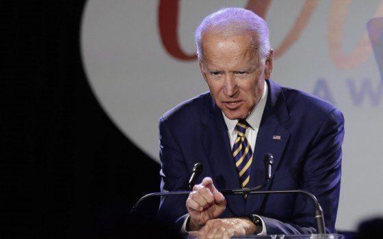 Biden: Putin è un assassino e pagherà per le interferenze