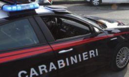 Nell'auto droga e armi bianche: tre arresti