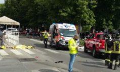 Auto non rispetta la precedenza e centra una moto uccidendo il motociclista