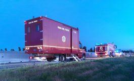 Si buca un fusto di acido solforico su un camion: intervenuti i Vigili del Fuoco