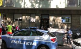 Donna di 48 anni, madre di due figli di 16 e 25 anni, uccisa con cinque colpi di pistola dall'ex marito