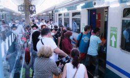 Fra ritardi e sovraffollamenti raggiungere in treno la riviera ligure in maniera normale è diventata un'utopia