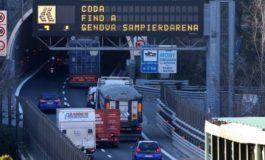 L'eterno problema dei cantieri sulla A10 con viabilità in tilt e semafori che non funzionano
