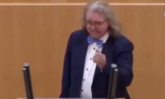Se ci oscurano un video ne abbiamo subito un altro: qui il dottor Fiechtner ci spiega perché viviamo in una dittatura sanitaria (Video da non perdere)