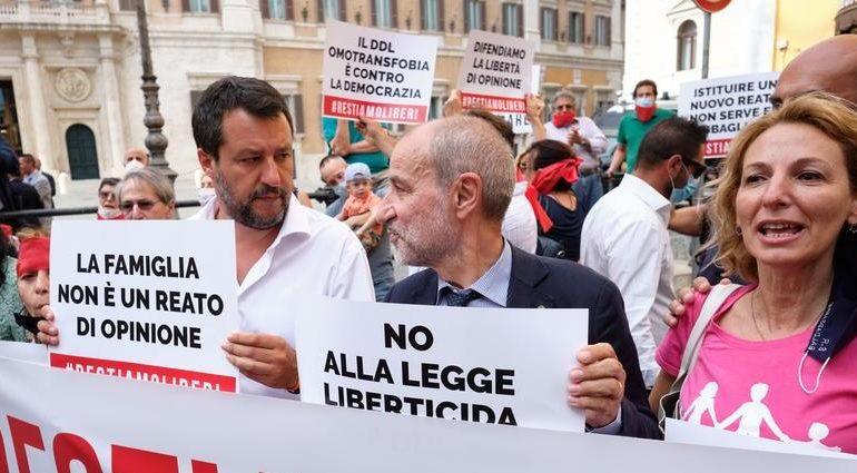Da Pro Vita e Famiglia: raccolte più di 240.000 firme contro il decreto Zan