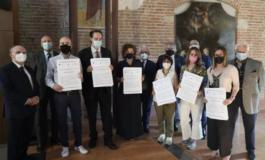 """Premiati nel broletto di Palatium Vetus i vincitori del """"Premio Giornalistico Franco Marchiaro"""""""