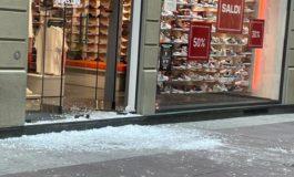 Alessandria ostaggio dei teppisti: ennesima spaccata notturna in centro