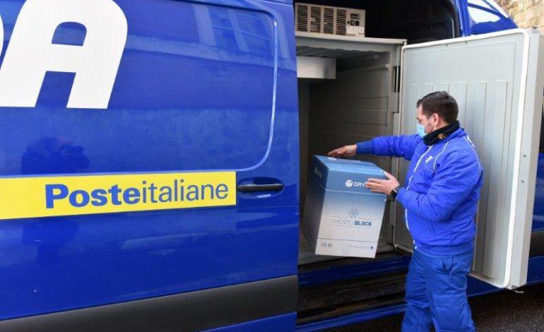 Da Poste Italiane: Poste Italiane consegna a Tortona i vaccini Moderna