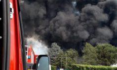 Prende fuoco un camper sulla A21, sul posto vigili del fuoco di Asti e Alessandria
