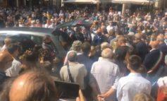 Un grande abbraccio di tanta gente perbene al professor De Donno impiccato martedì scorso