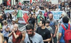 Anarchici in corteo contro il Green Pass