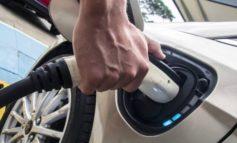 Fino a quando potranno circolare le auto benzina-diesel?