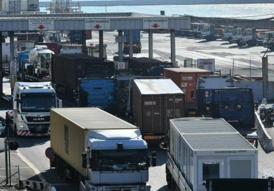 Imprese a rischio blocco per i camionisti restii a vaccinarsi
