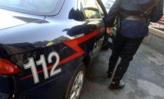 Chiama i Carabinieri minacciando azioni violente contro il fidanzato della figlia: nei guai anziano di Casale