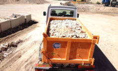 Trasportava rifiuti edili ma era privo dei documenti necessari: multato